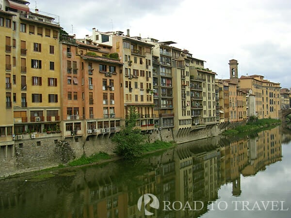 Arno River The Arno river, is one of the main rivers of Italy, length 241 km (150 miles). <br/>It passes through many beautiful and interesting places to explore in Tuscany, such as the area of Arezzo, <br/>Montevarchi and San Giovanni Valdarno near the Chianti hills and the two cities of Florence and Pisa.