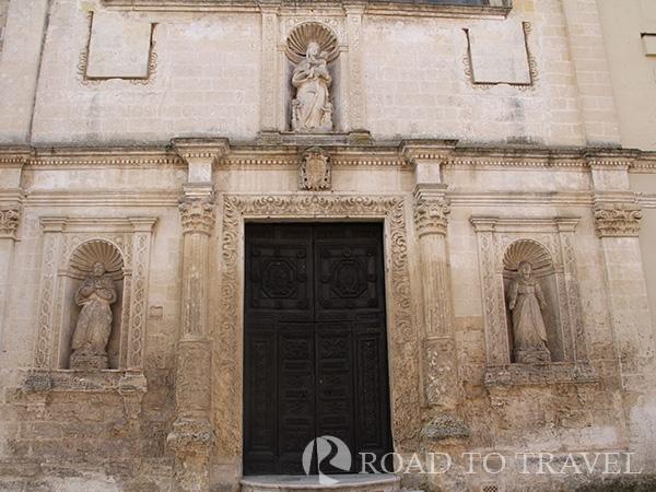 Chiesa del Purgatorio Built in the 1725 the church has been dedicated to the Confraternita del Purgatorio.