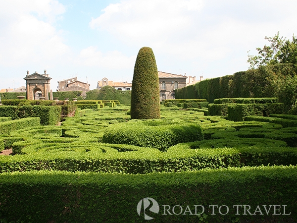 Villa Lante Gardens Located at one hour by car from Rome Villa Lante gardens are one of the best mannieristic Garden of Italy.